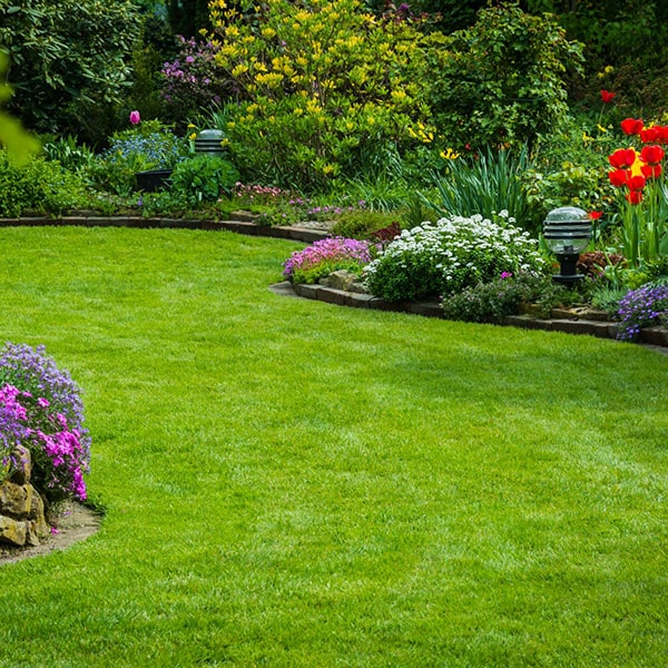 Straders Lawn Care